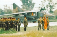 In front of MiG-27D of the Debrecen-based 88. fighter-bomber regiment is standing the parade squadron of the Southern Group of Forces on May 18, 1990, on the day the unit left for Olenegorsk near Murmansk.